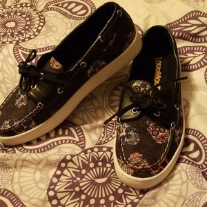 Loudmouth Shoes - Cute sugar skull shoes